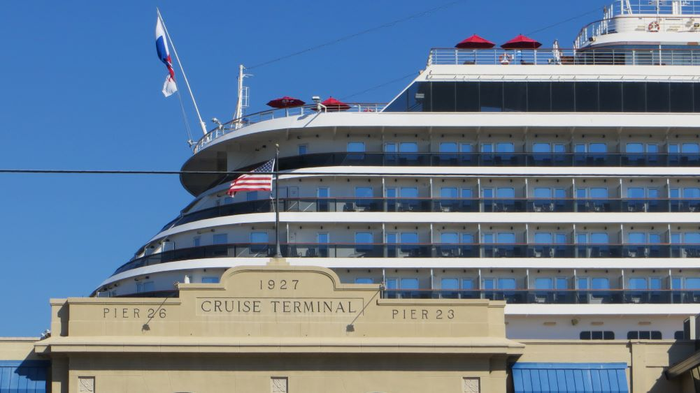 Port of Galveston hotels with shuttles